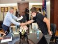 Сарадници у настави ФПЕ потписали уговоре о стипендирању са градском управом Града Бијељина